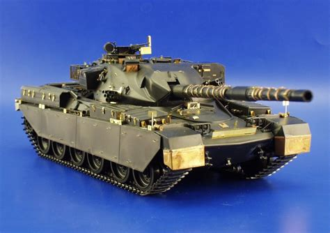 135 Battle Tank Chieftain Mk10 chieftain mk 5 1 35 tamiya eduard 35771