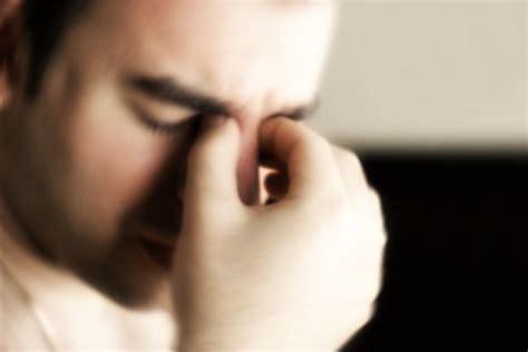 senso di pesantezza alla testa occhio stanco cosa fare e quali sono i rimedi per l
