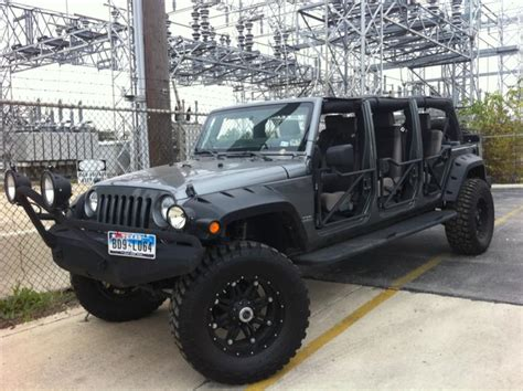 Jeep Yj Doors by There S A 6 Door Jeep Wrangler In Las Vegas And Another In