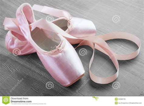 new pink ballet pointe shoes stock image image 34586735