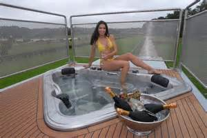 futuria luxury motorhome xcitefun net
