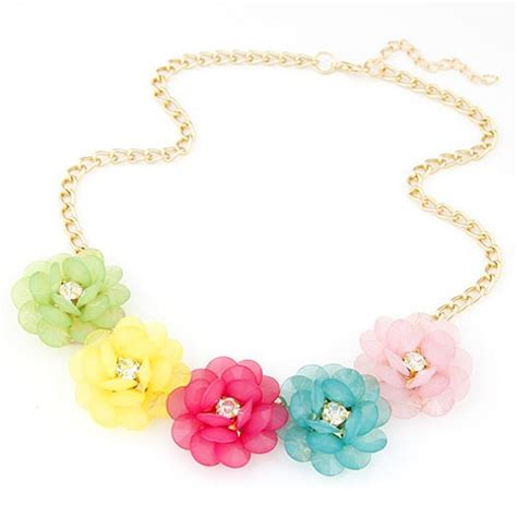 Anting Korea Sweet Flowers Resin Simple Earrings korean fashion rhinestone inlaid refreshing flowers necklace multicolor