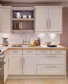 Best Place To Get Kitchen Cabinets Shaker And Classic Shaker Style Kitchens Kitchens Shaker Style Kitchens Shaker