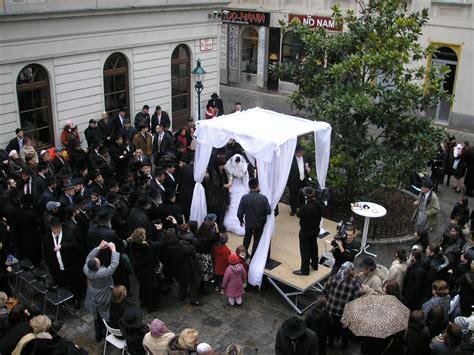 famous jews judaism wikia jewish wedding religion wiki fandom powered by wikia