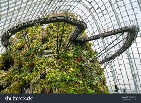 singapore botanic gardens marina bay tropical forest botanic garden marina bay stock photo