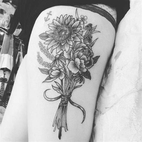 bouquet of flowers tattoo 25 best ideas about bouquet on