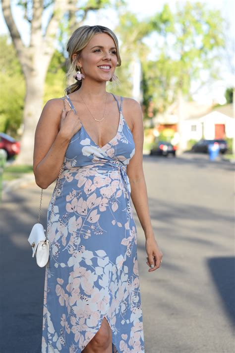 How To Dress For My Baby Shower by Still On The Hunt For My Baby Shower Dress Ali Fedotowsky