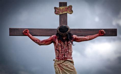imagenes fuertes de jesus en la cruz medita el via crucis con im 225 genes canci 243 n nueva