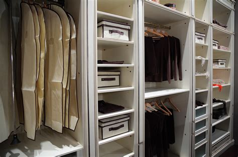 armadio perfetto armadio perfetto in 3 semplici passi helpling