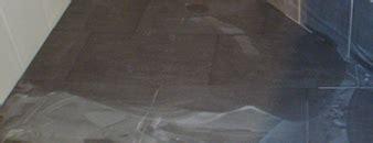 zementschleier auf fliesen entfernen firma hochschwarzer fliesen verlegung b 228 dersanierung