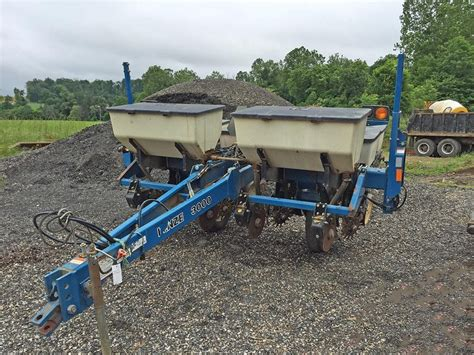 Kinze 4 Row Planter For Sale by Wisconsin Ag Connection Kinze 3000 Row Crop Planters For Sale
