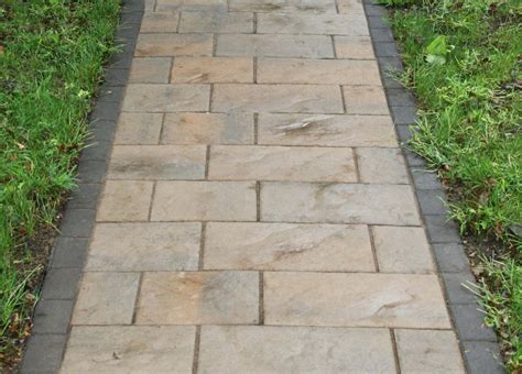 Patio Block Walkway by 1000 Images About Patio Ideas On