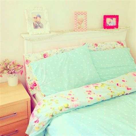 girly beds girly bed spread love love love the blue and floral