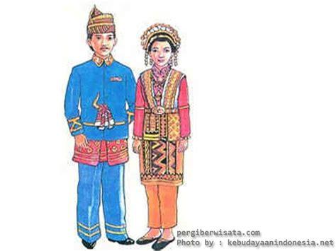 Nama Baju Daerah Riau pergi berwisata ke aceh
