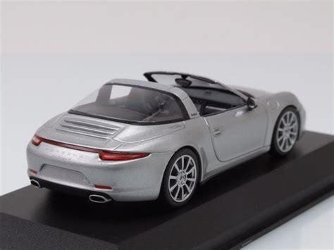 Porsche 911 Modellauto by Porsche 911 991 Targa 2013 Silber Modellauto 1 43