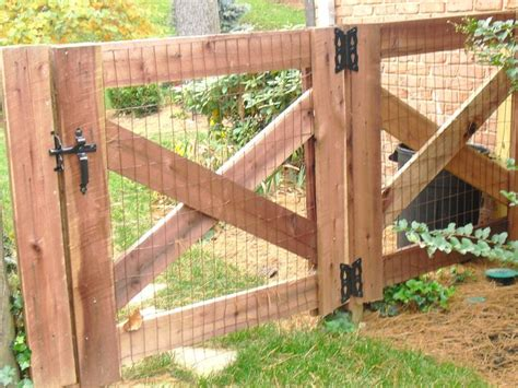 gates for backyard 25 best ideas about pallet gate on pinterest dream baby