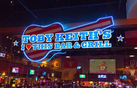 toby keith vegas bar livin the good life toby keith s i love this bar and grill