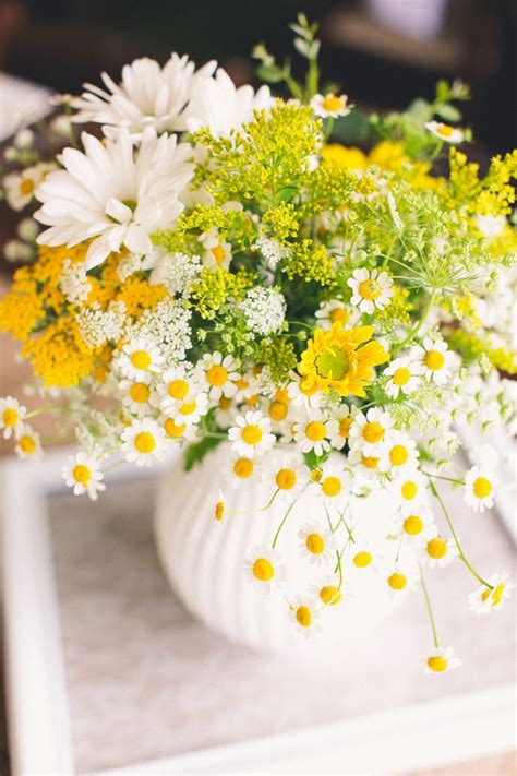 yellow flower arrangements centerpieces 25 best ideas about yellow flower centerpieces on