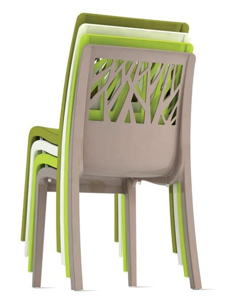 lot 32 chaises de jardin taupe design vegetal grosfillex