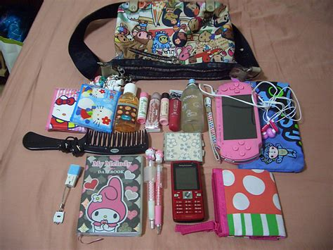What Is In My Bag by What S In My Bag It S Amazing How This Much Stuff Can