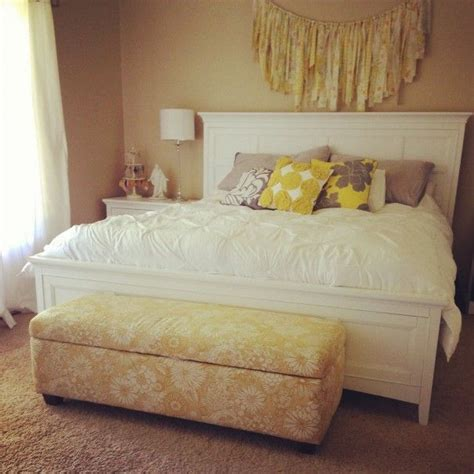 bedroom garland fabric garland over bed bedroom pinterest love this