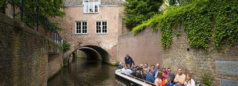 bootje varen den bosch stadswandeling rondvaart bezoek s hertogenbosch