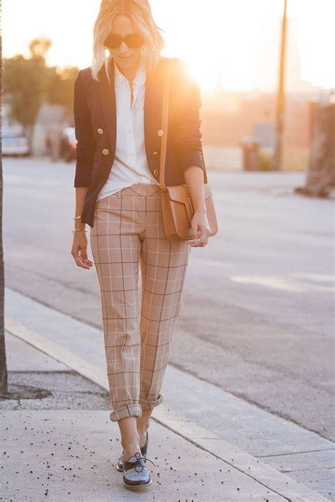 A Chic Fall For Work And Play by 35 Chic Work To Wear This Fall Loafers Trousers