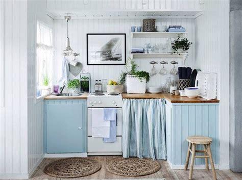 cuisine blanche et bleu dix id 233 es pour mettre de la couleur dans sa cuisine
