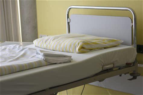 krankenhaus bett bilder und suchen krankenhausbett