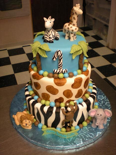 cute themes for baby first birthday jungle theme birthday cake this is way too cute good