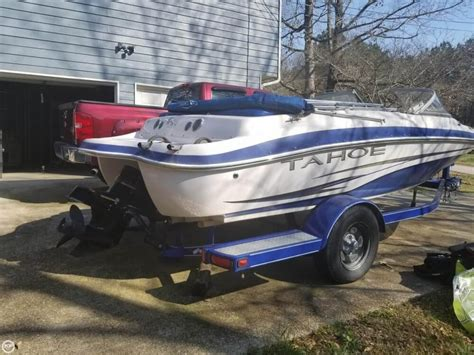 used tahoe boats for sale in georgia 2008 used tahoe q4 ss bowrider boat for sale 12 400