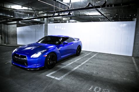 blue nissan skyline nissan gt r review and photos