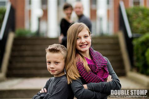 family photography poses top 10 tips for family photo poses