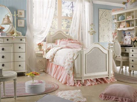 Shabby Chic Bedroom | discount fabrics lincs how to create a shabby chic bedroom