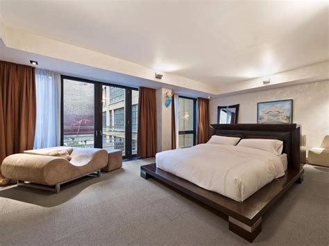 Gun Safe In Master Bedroom No One Wants To Buy This 25 Million Townhouse Owned By A