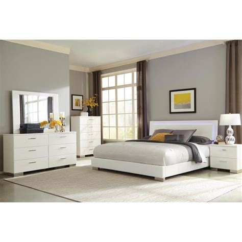 coaster felicity platform bedroom set white 300345 bed coaster felicity 5 piece king panel bedroom set in glossy