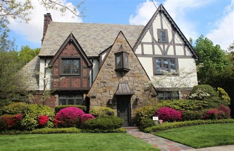 10 ways to bring tudor architectural details to your home cottage style architecture photos