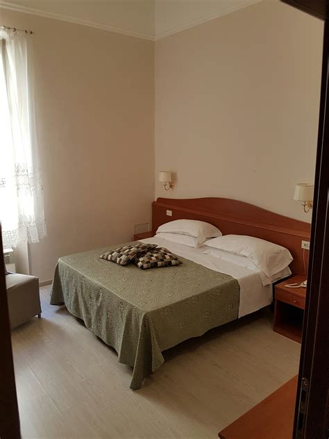 room for rent with private bathroom single room with private bathroom room for rent rome