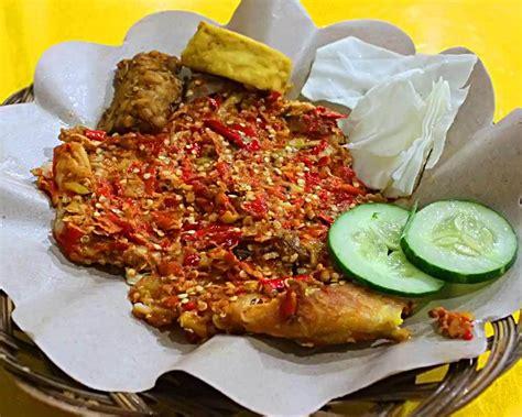 Paket Sembako Hemat Rp 280 Ribu ayam gepuk pak gembus promo paket hemat 25 ribu makassar kuliner
