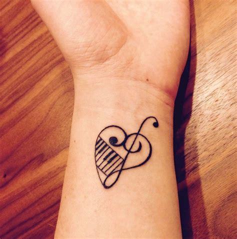 imagenes tatuajes musicales 24 ideas de tatuajes musicales de hombre mujer fotos