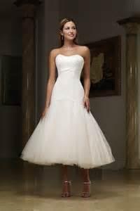 best shoes for tea length wedding dress wearing pretty tea length wedding dresses