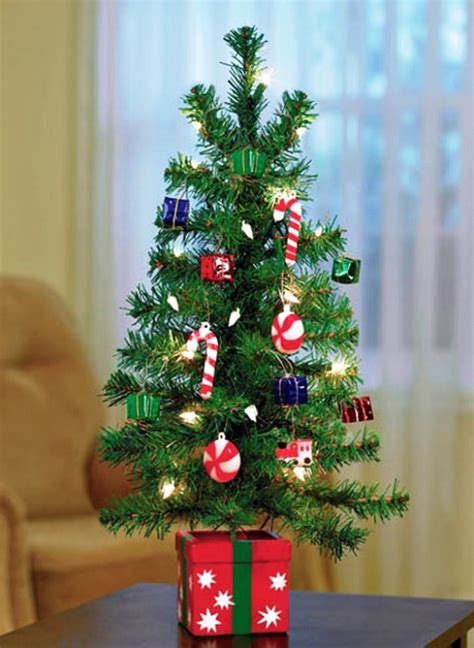 simple but beautiful christmas tree pictures mini tree decorating ideas
