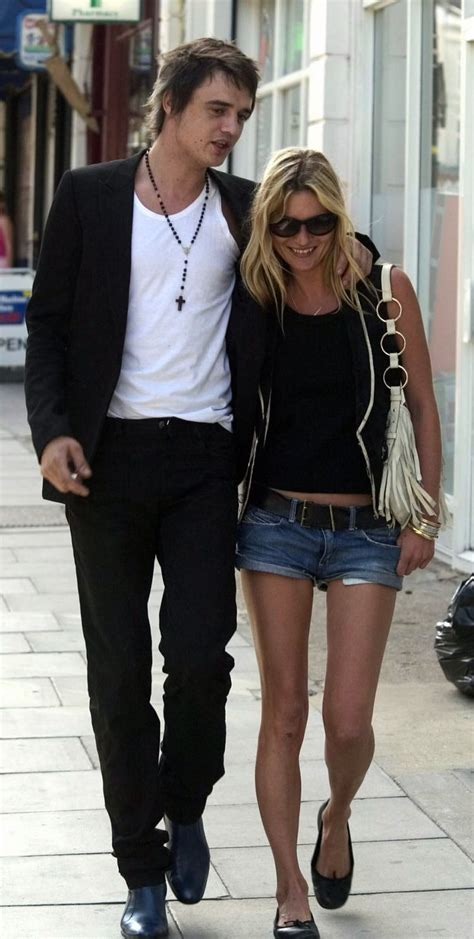 Is It True Kate Moss Married Pete Doherty by Pete Doherty Kate Moss She S With The Band