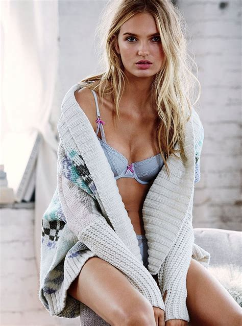 Vs Set Sazkia romee strijd looks comfortably in s secret