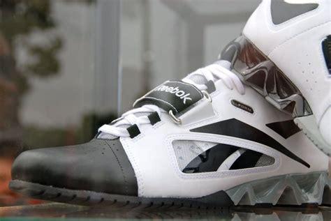 reebok squat shoes sneak peek new 2011 reebok weightlifting shoes