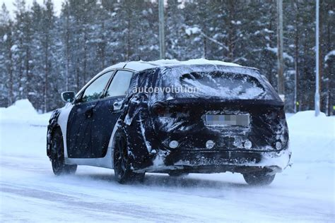 opel winter 2019 hyundai i40 wagon spied winter benchmark testing with