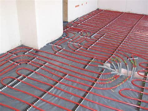 tubi per riscaldamento a pavimento scelta pannelli radianti a pavimento riscaldamento per