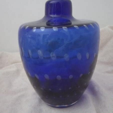Royal Blue Vase by Vintage Royal Blue Glass Vase With Graduated Bubbles