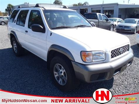 nissan 2000 4x4 2000 cloud white nissan pathfinder se 4x4 55657758