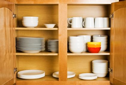 file kitchen cabinet display in 2009 jpg wikipedia dishes in the cabinet eco logic
